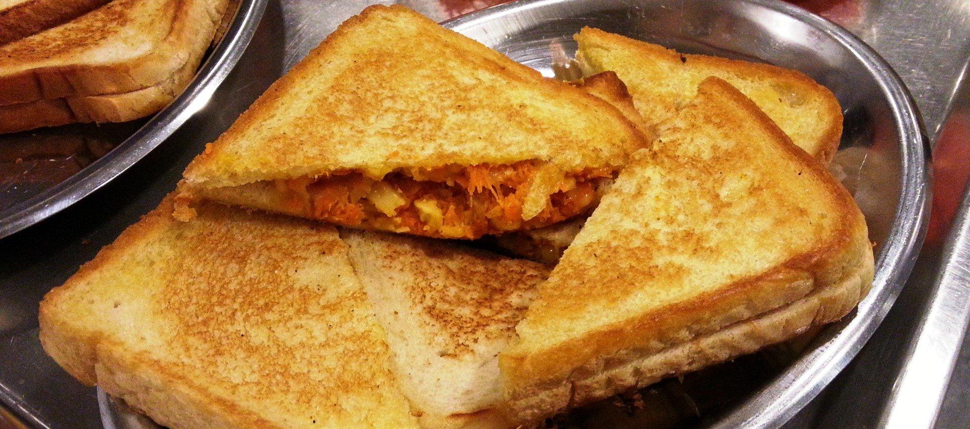 Möhren-Sandwich mit Käse