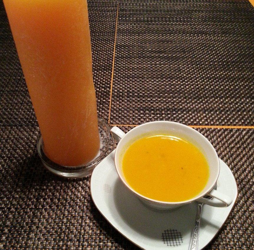 fitness rezept k rbis ingwer suppe mit h hnchen. Black Bedroom Furniture Sets. Home Design Ideas