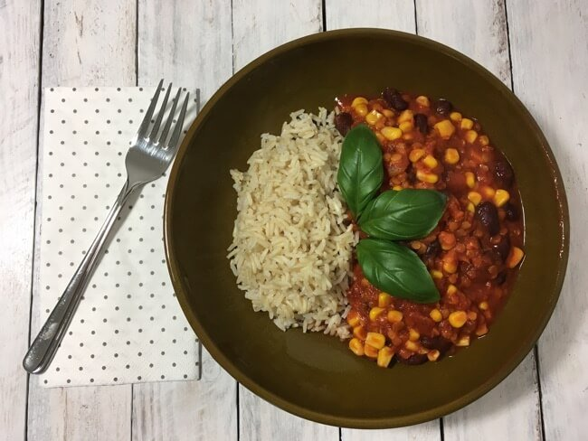 Vegetarisches Chili mit Naturreis