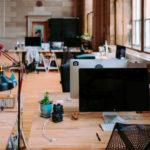 Yoga im Büro – Welche Asanas eignen sich?